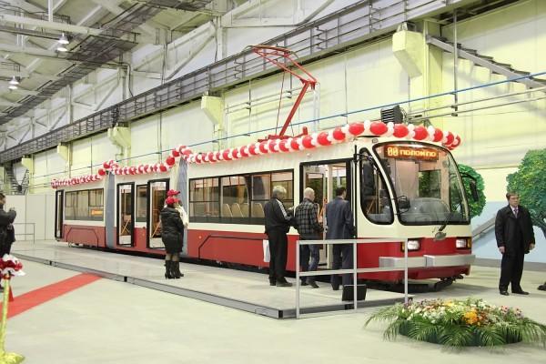 Трехсекционный трамвай УТМ 71-409