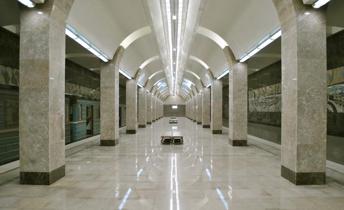 Станция метро Горьковская